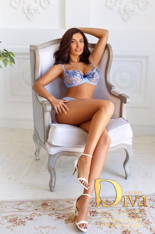 Earl 39 s court escort eisvina 39 s escort profile - Diva escort london ...