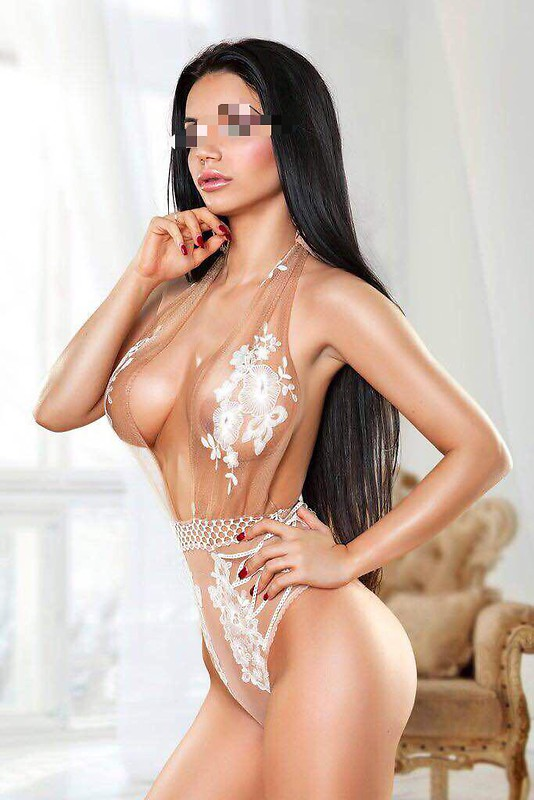 Hot babes   Escort Agency